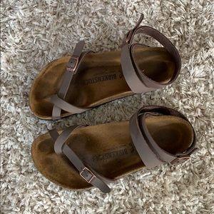 Birkenstock sandals- Yara in mocha